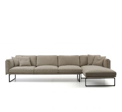 202 8 Sofa with chaise longue