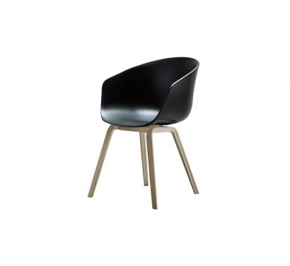 About a Chair AAC22 Black/Oak Legs