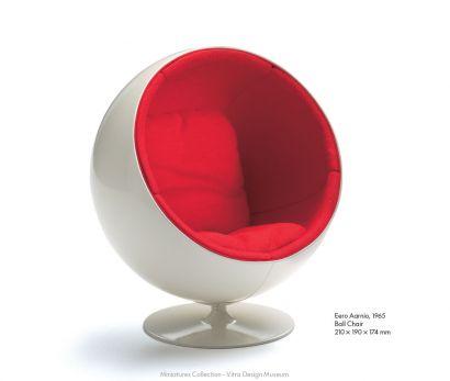 Ball Chair - Miniatures De Collection