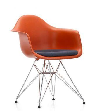 Eames Plastic Armchair DAR - Poltroncina con Cuscino Hopsak