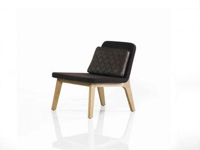 Mobel Copenhagen Lean Lounge Chair