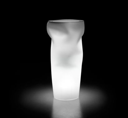 Saving Space Vase with Light