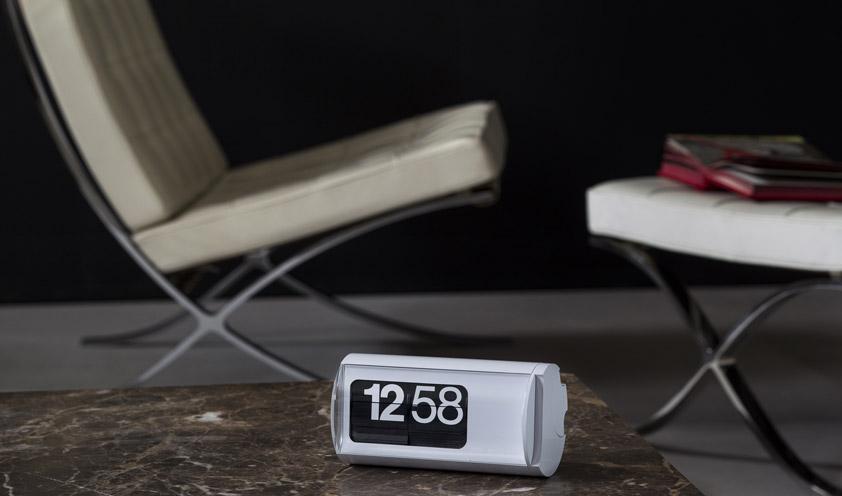Solari Lineadesign clocks are the perfect fusion of analogic and digital